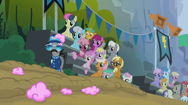 File:Ponies look at the fallen Rainbow Dash S6E7.png
