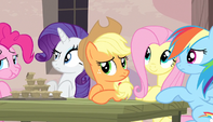 Twilight's friends listen to Sugar Belle S5E1
