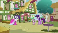 Twilight and Spike eye contact S3E3