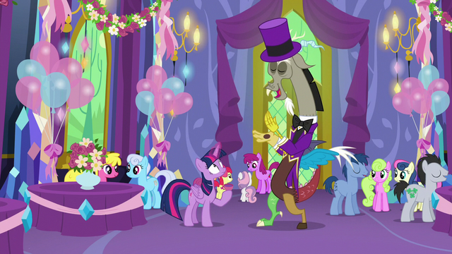 File:Discord returns to normal size in a purple suit S7E1.png