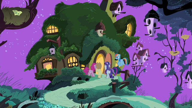 File:Fluttershy's friends enter Fluttershy's cottage S4E14.png