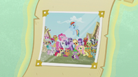 Photograph with Ponyville citizens S7 opening