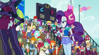 Rarity looking to the crowd EG3