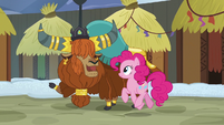 Rutherford takes Pinkie on a Yakyakistan tour S7E11