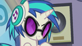 DJ Pon-3 looking slyly at Octavia S5E9.png
