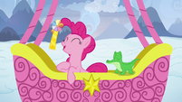 Pinkie Pie wins the I Spy game S7E11