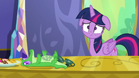 Twilight Sparkle upset by Pinkie Pie's note S6E22