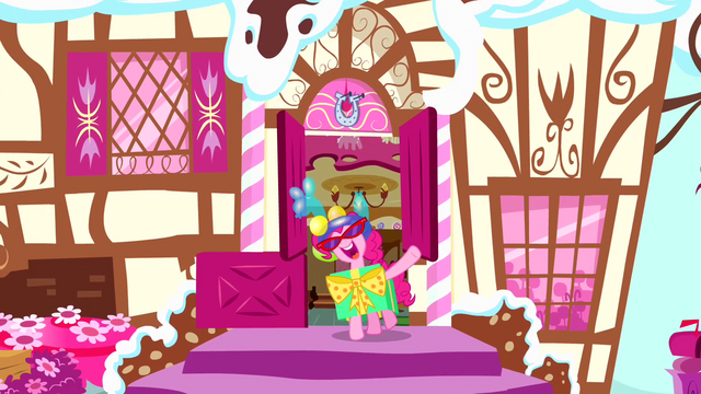 File:Pinkie Pie 'Pinkie's Lament' big finish S4E12.png