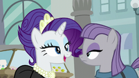 Rarity and Maud in a jewelry store S6E3