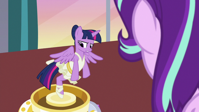 File:Twilight Sparkle wishes she could help Starlight S7E10.png