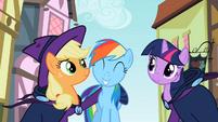 Happy Rainbow Dash S2E8