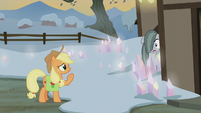 Applejack greeting Marble Pie S5E20
