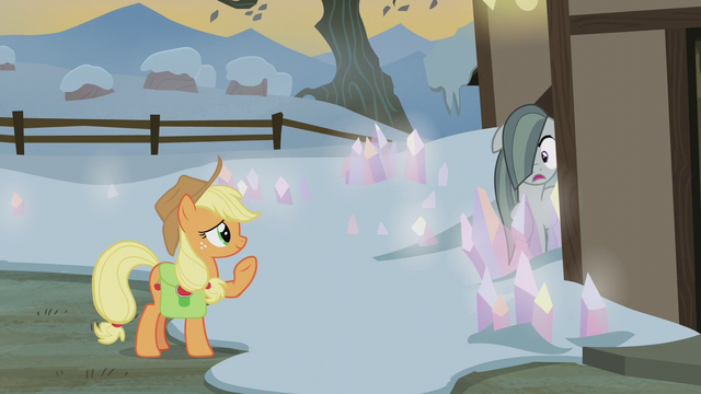 File:Applejack greeting Marble Pie S5E20.png