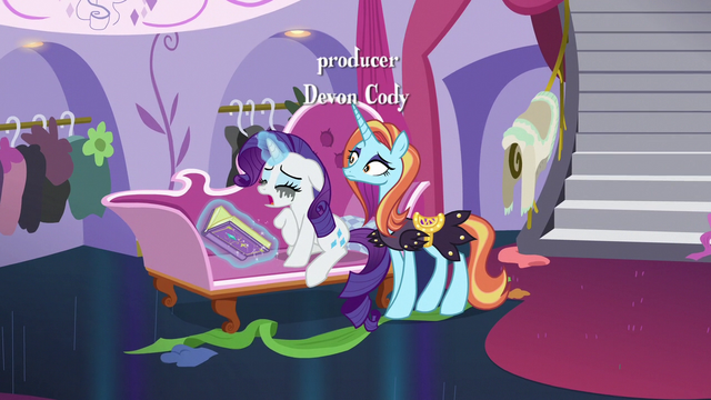 File:Rarity still crying over Sweetie Belle S7E6.png