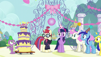 Twilight, Spike, and old friends gather around Moon Dancer S5E12