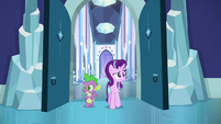 Starlight and Spike enters the library S6E2