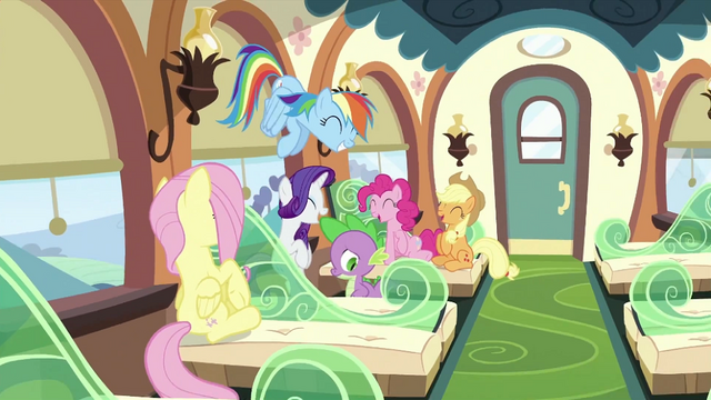 File:Twilight's friends laughing S2E25.png