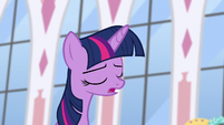 Twilight apologizes sincerely S5E12