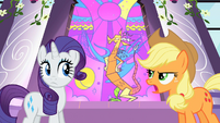 Applejack talking to Discord S2E01
