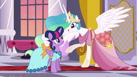 Celestia puts a wing around Twilight S5E7