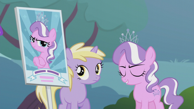 File:Picket sign shows Diamond Tiara S5E18.png