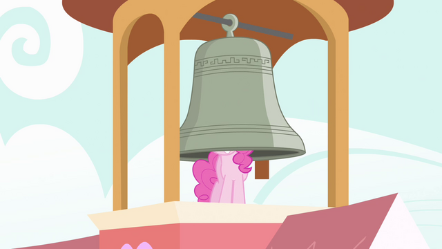 File:Pinkie Pie ringing bell with her head S04E03.png