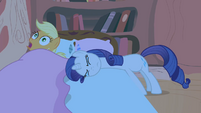 Rarity trying to get her blanket S1E8