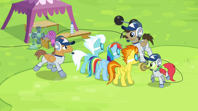 File:Group of ponies coming to Rainbow and Wonderbolts S4E10.png