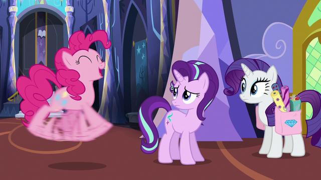 File:Pinkie Pie excitedly flailing her hooves S6E21.png