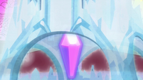 A Crystal under the castle S3E01