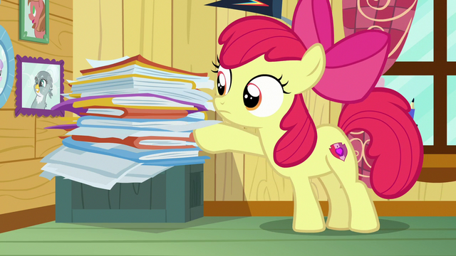File:Apple Bloom picks up next client file S7E6.png