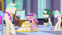 Fake Cadance 'See I look' S2E26