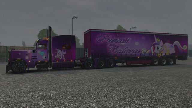 File:FANMADE ETS2 Pete 389 Custom - Princess Cadance Skin 2.png
