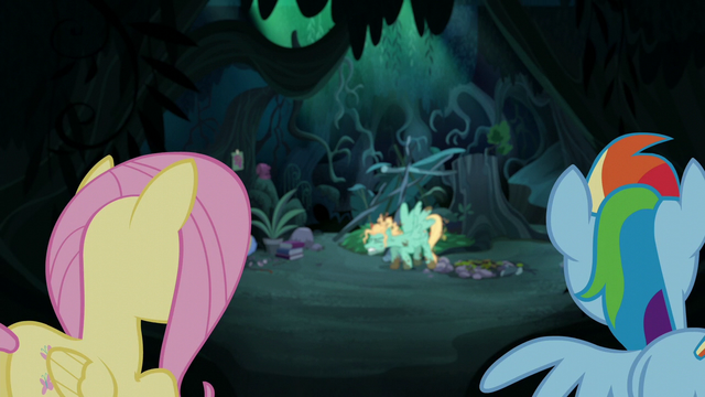 File:Fluttershy and Rainbow watch Zephyr's breakdown S6E11.png
