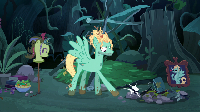 File:Zephyr Breeze kicking the stick S6E11.png