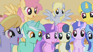 Ponies drooling over muffins half 1 S1E04.png