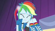 Rainbow Dash's pony ears vanish EG2