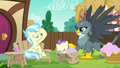 Gabby helps Earth pony mother with her baby S6E19.png