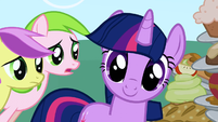 Twilight turning to look at Apple Bloom S1E01