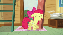 Apple Bloom shows off her cutie mark S5E4