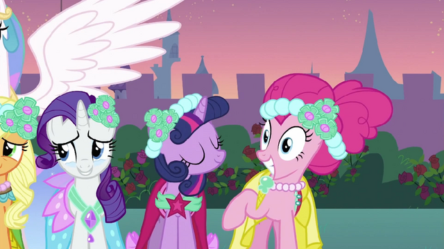 File:Pinkie Pie grin S2E26.png