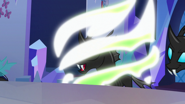 File:Rainbow Dash Changeling turning back to normal S6E25.png