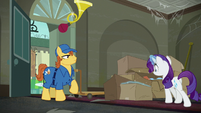 Rarity approaching the delivered packages S6E9