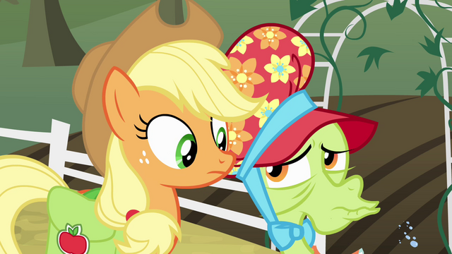 File:Granny Smith dismissive raspberry S4E09.png