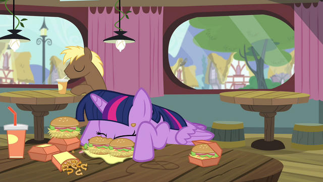 File:Twilight eating messy S4E15.png