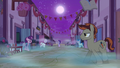 Dream Our Town ponies emerge from their homes S6E25.png