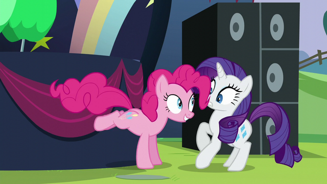 File:Pinkie startles Rarity S5E24.png