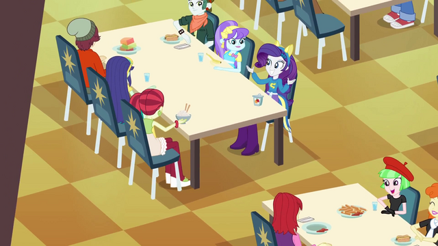File:Rarity clapping EG.png