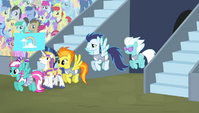 The Wonderbolts enter the stadium S4E24