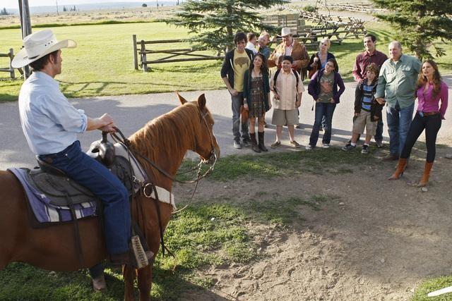 File:Family-at-a-dude-ranch.jpg
